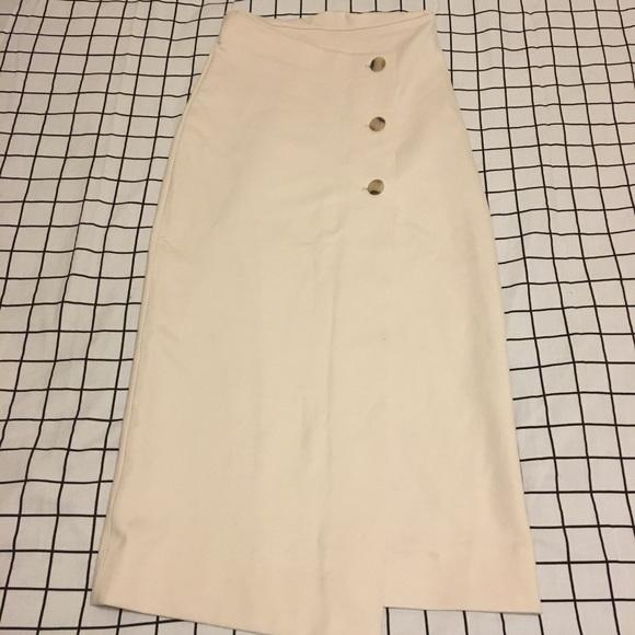 Aritzia Dresses & Skirts - Aritzia Button Up Skirt